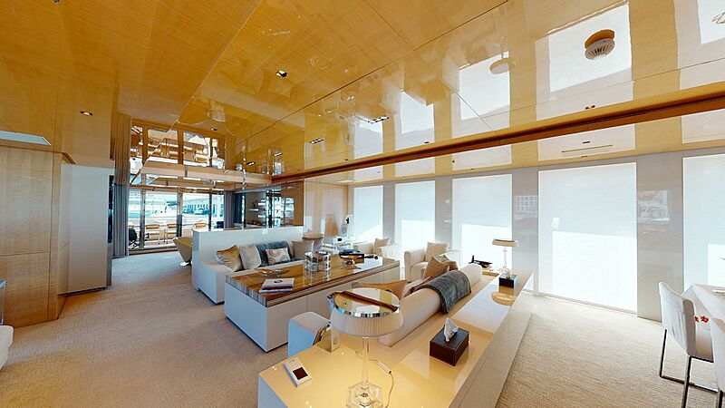 La Pellegrina yacht saloon