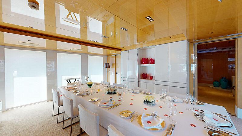 La Pellegrina yacht dining table