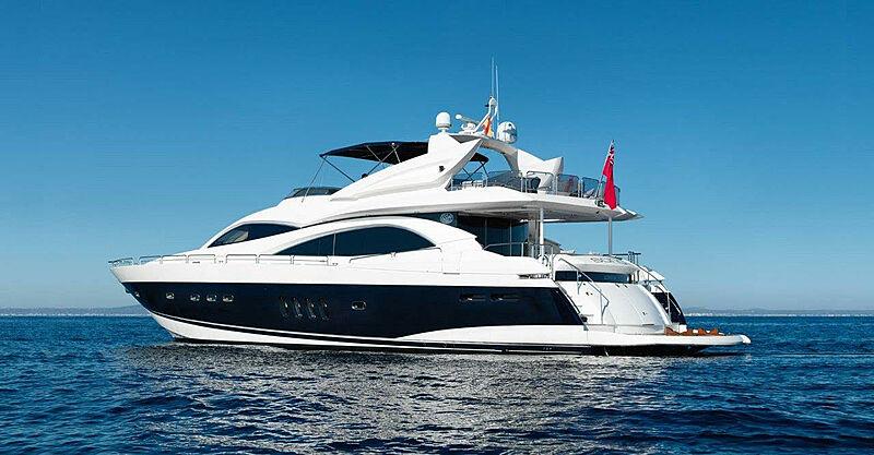Sono yacht anchored