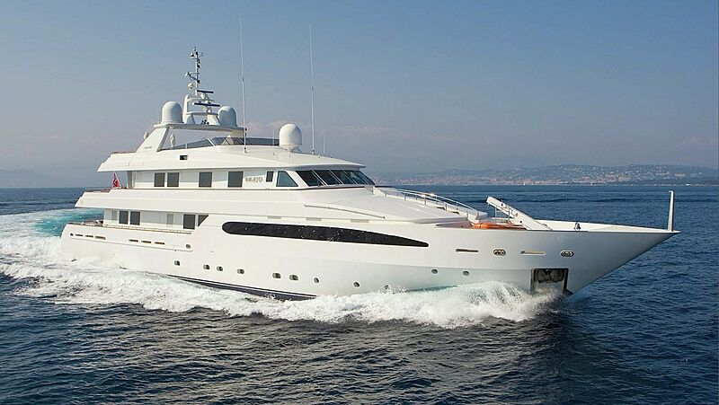 Balaju yacht cruising