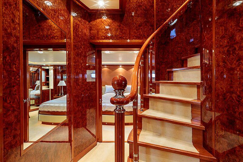 Param Jamuna III yacht hallway