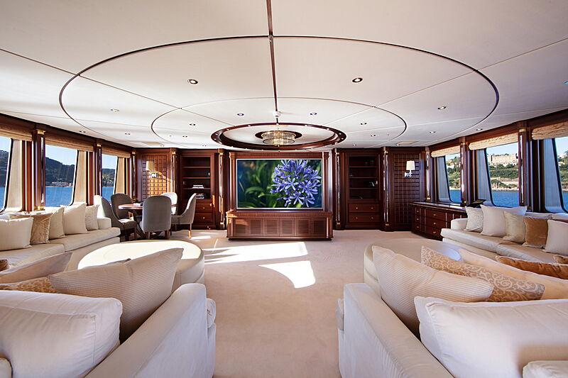 Mirgab VI yacht saloon