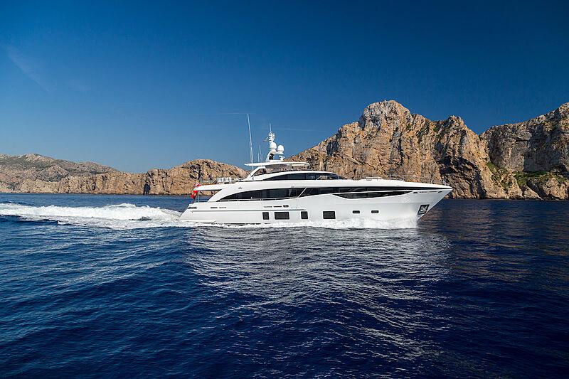 El Guajiro yacht cruising