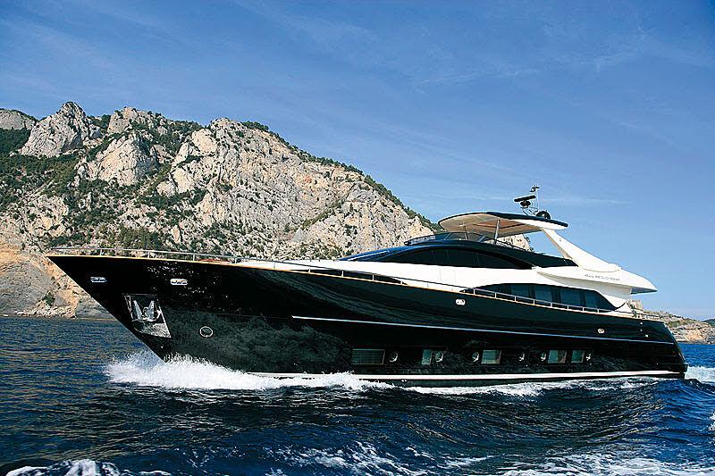 Cobana yacht cruising