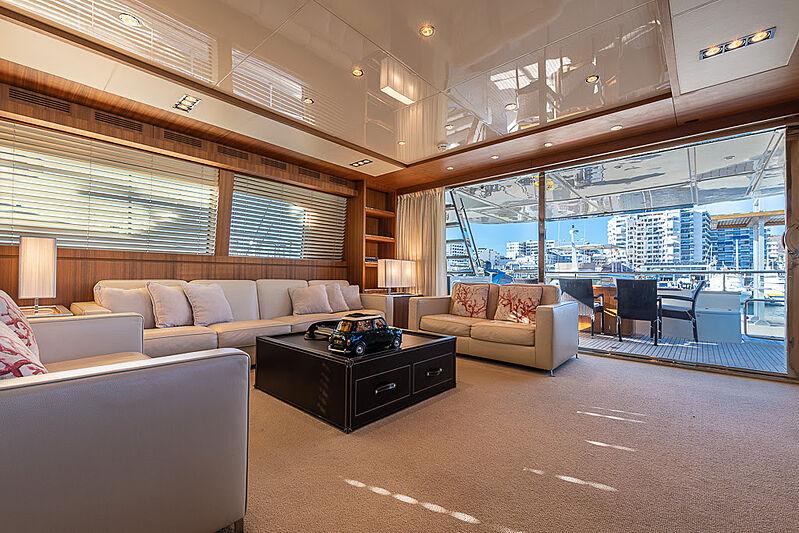 Cobana yacht saloon