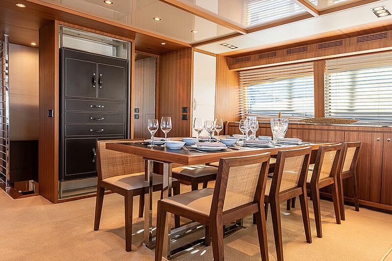 Cobana yacht dining