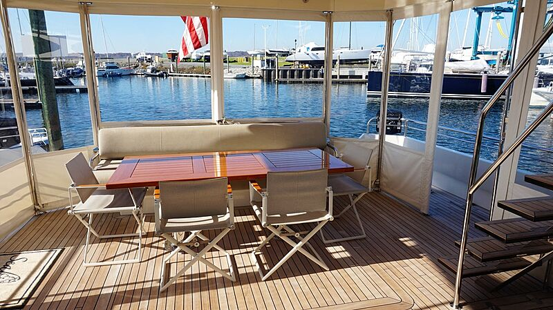Seabiscuit yacht aft deck