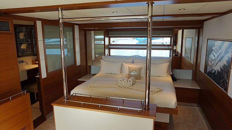 Seabiscuit yacht master stateroom