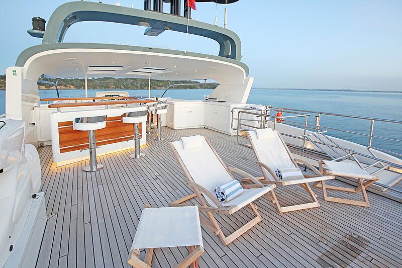 Mahalo yacht upper deck