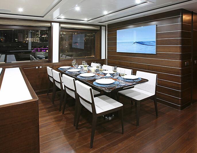 Mahalo yacht dining