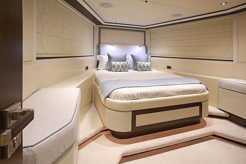 Mahalo yacht stateroom