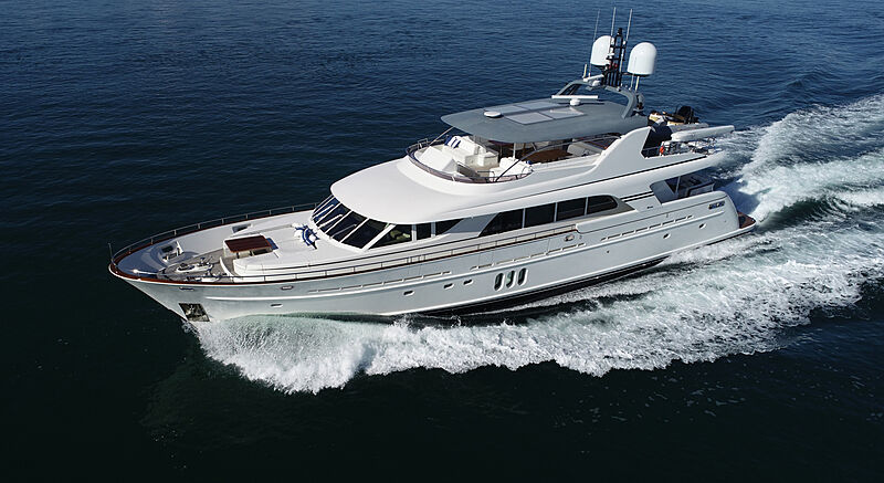 Mahalo yacht cruising