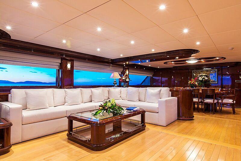 Silentworld yacht saloon
