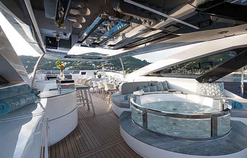 Soulmate yacht sun deck