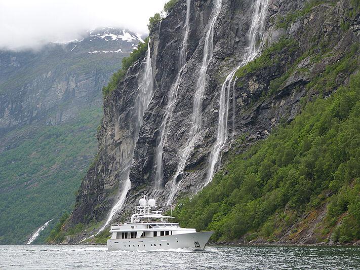 Criss C yacht cruising
