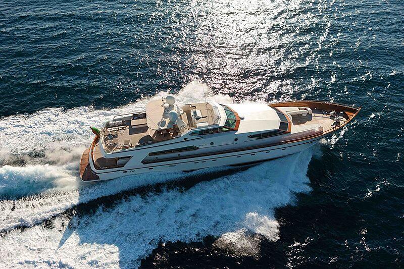 Saudades yacht cruising