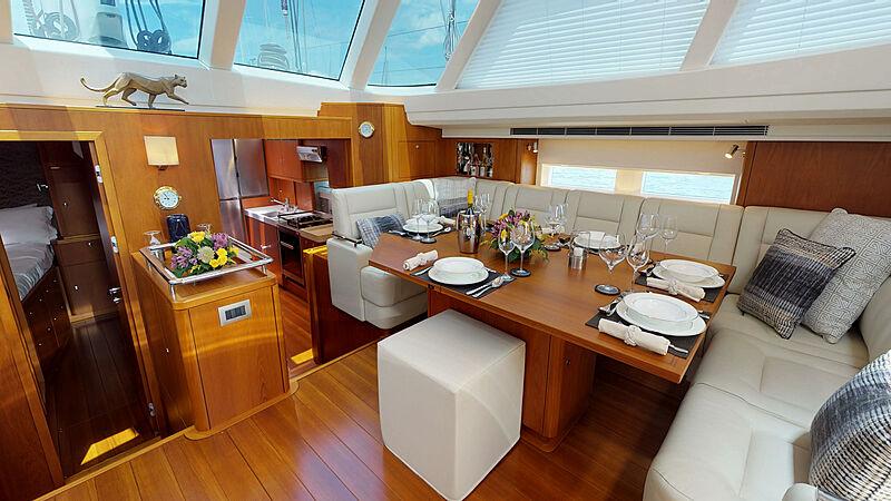 Ayni yacht dining room