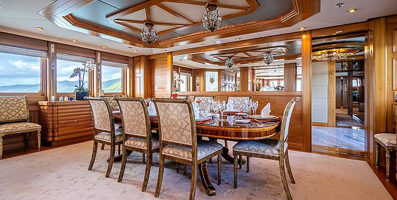 Vibrance yacht dining table