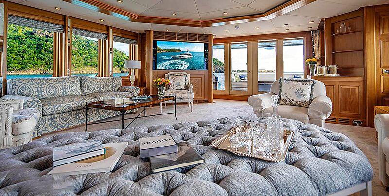 Vibrance yacht saloon