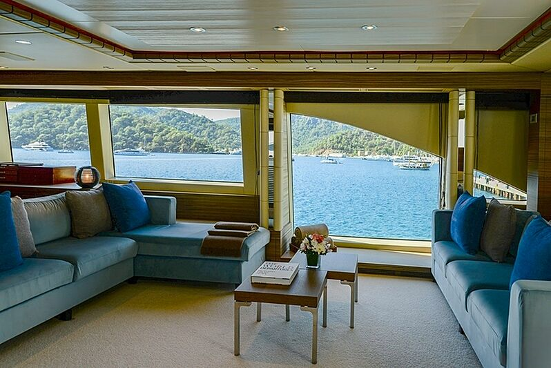 Oryx yacht saloon