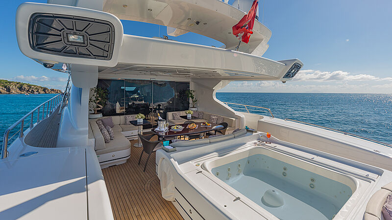 Jomar yacht deck