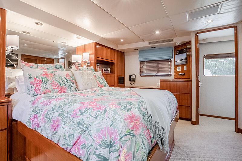 Edison yacht stateroom