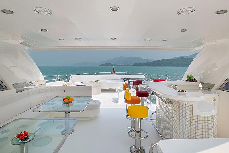 Victorious yacht sun deck