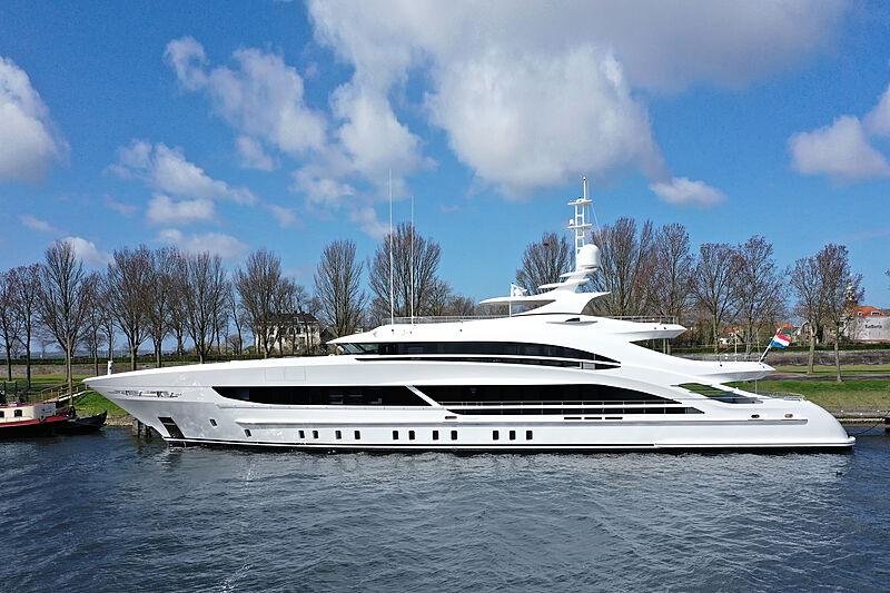 Arkadia yacht in Hellevoetsluis