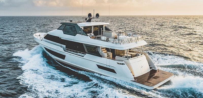 Ocean Alexander 32L01 yacht cruising