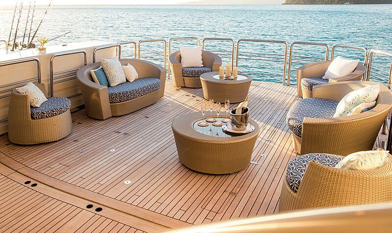 Spirit yacht deck