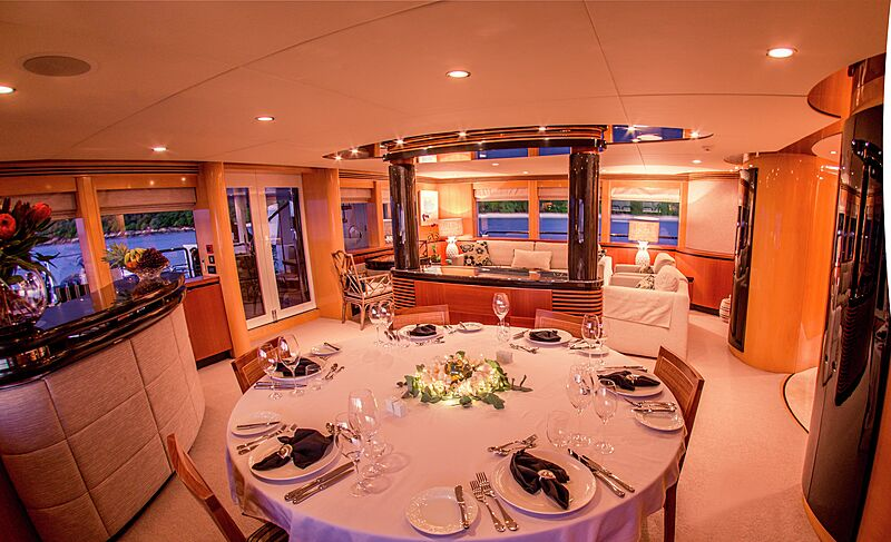 Spirit yacht dining
