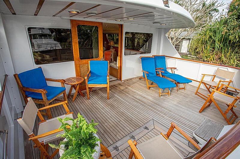 Zantino III yacht aft deck
