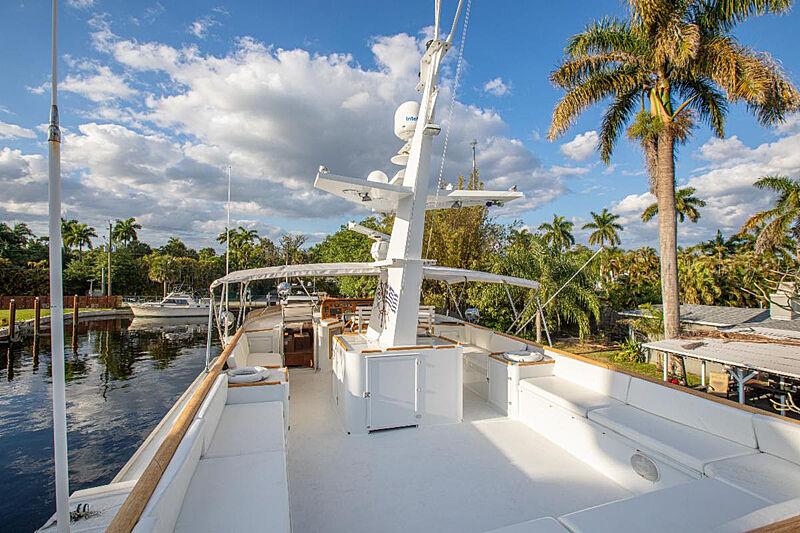 Zantino III yacht upper deck