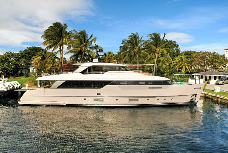 AD 52 yacht in Fort Lauderdale