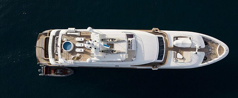 Komokwa yacht at anchor