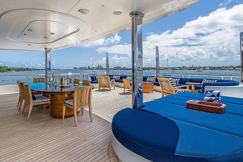 Felix yacht aft deck