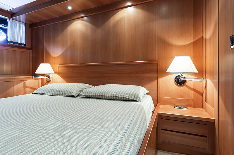 Tex yacht stateroom