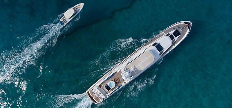 No Buoys yacht cruising