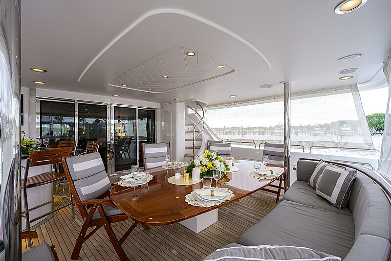 Freedom yacht aft deck dining