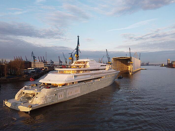 Opera yacht hull launch