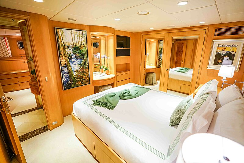 Wonderland yacht stateroom