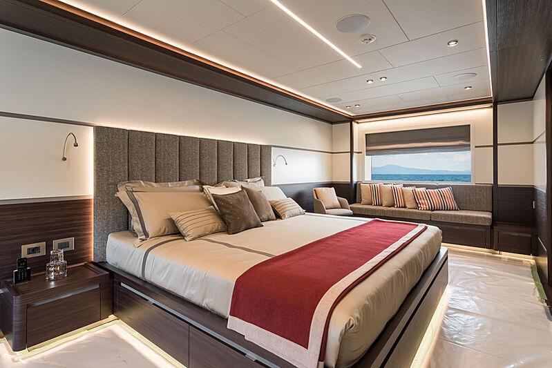Astrum yacht master cabin