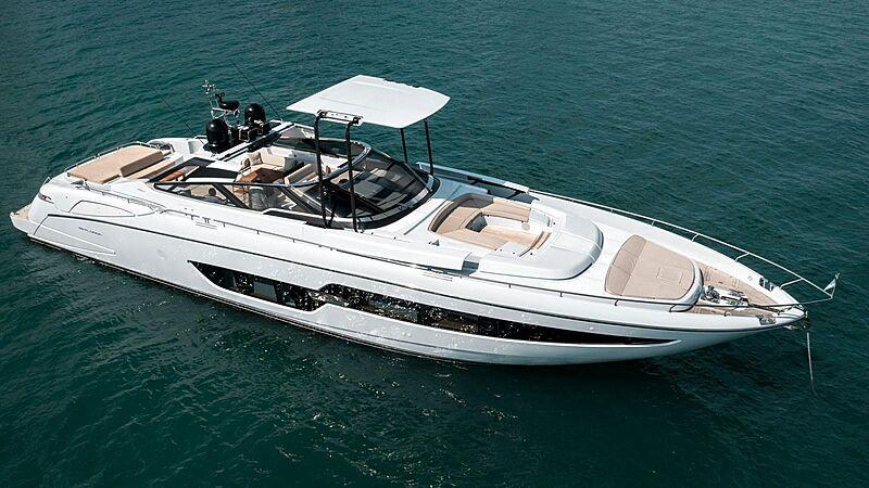 Bel Sogno yacht anchored