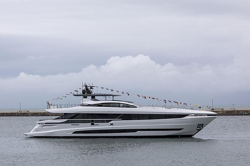 Mangusta GranSport 33/02 yacht launch