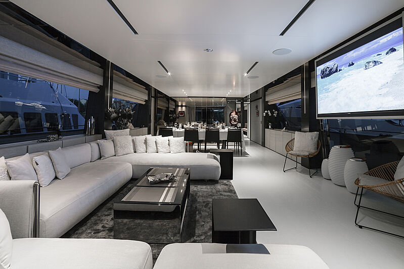 December Six yacht saloon