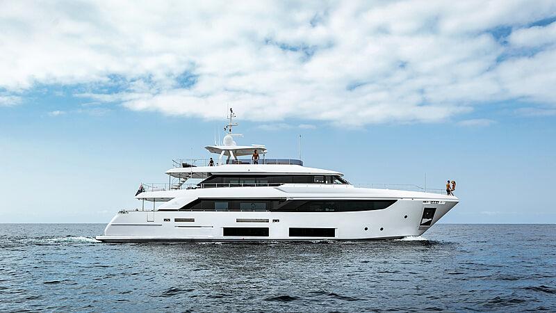 December Six yacht cruising
