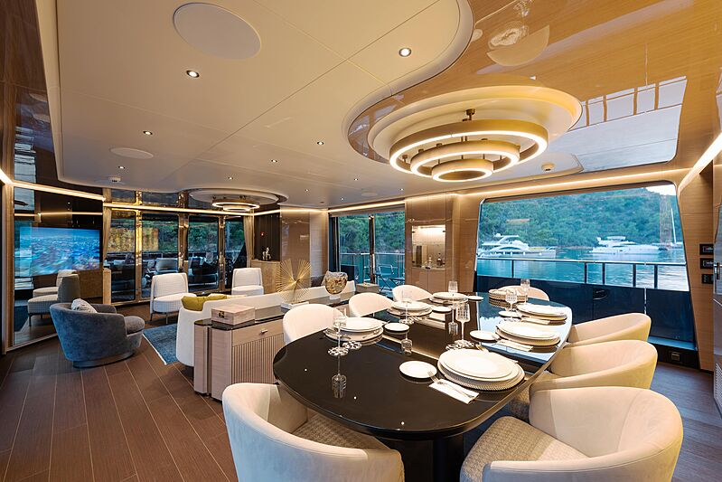 Sea Star yacht dining