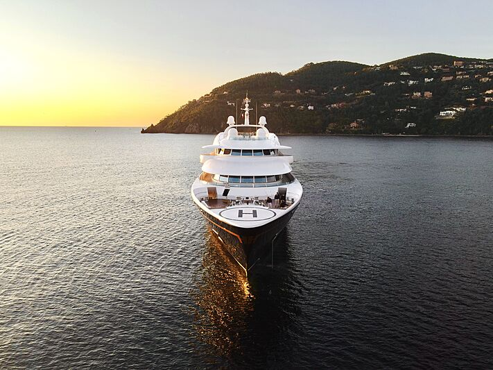 Carinthia VII yacht anchored on the french riviera