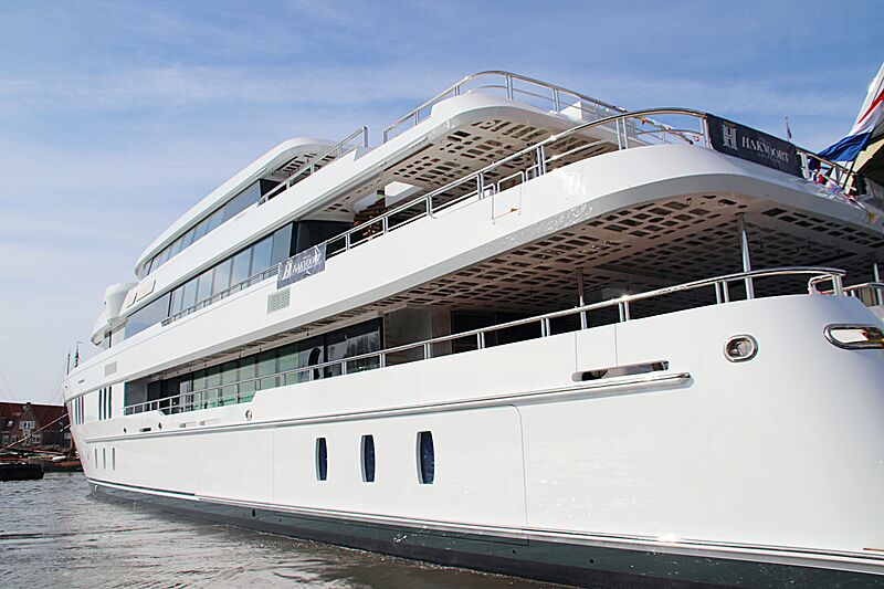 Hakvoort Project Sidney yacht launch in Monnickendam