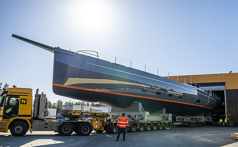 Path yacht in transit